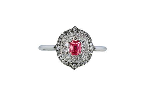 IVY New York粉紅色尖晶石鑽戒